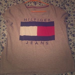 LIKE NEW TOMMY HILFIGER SHORT!
